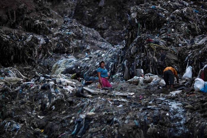мусорная свалка в гватемале фото 5 (700x466, 375Kb)