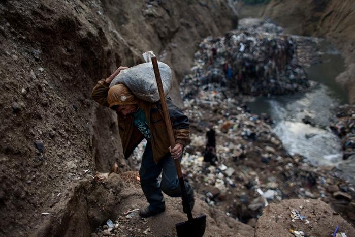 мусорная свалка в гватемале фото 9 (700x466, 386Kb)