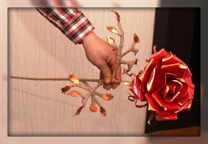 Цветок из жести своими руками 94