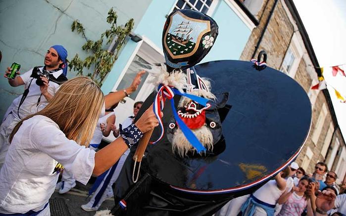 Странные британские фестивали