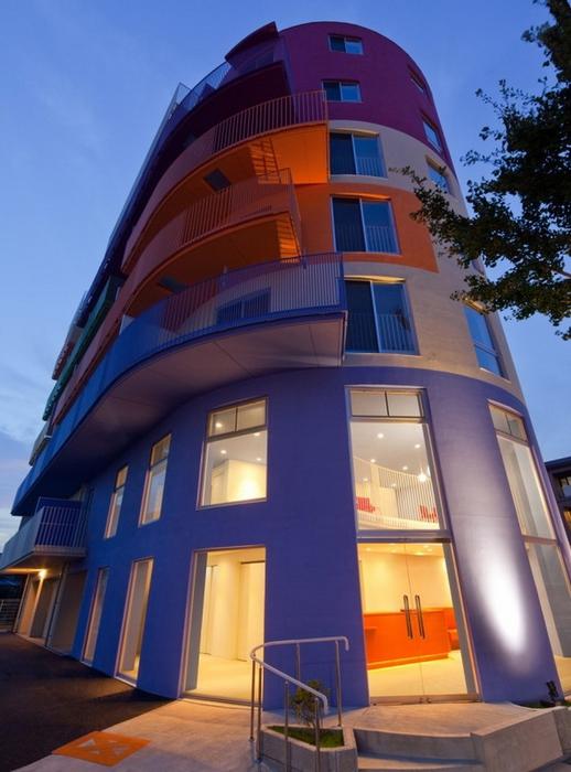 разноцветный дом фото 8 (518x700, 244Kb)