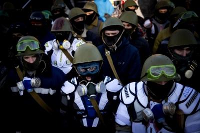 Националисты правого сектора Украины (400x267, 90Kb)