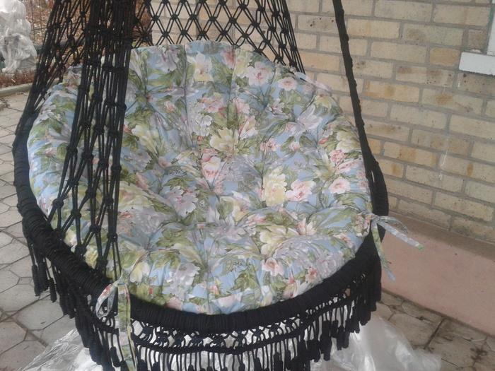 связала свое кресло.