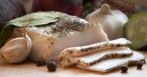 рецепт сало резанное пластами со специями