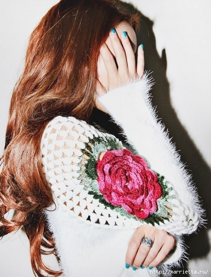Роза на плече. Цветочная идея для вязаного пуловера (15) (435x571, 191Kb)
