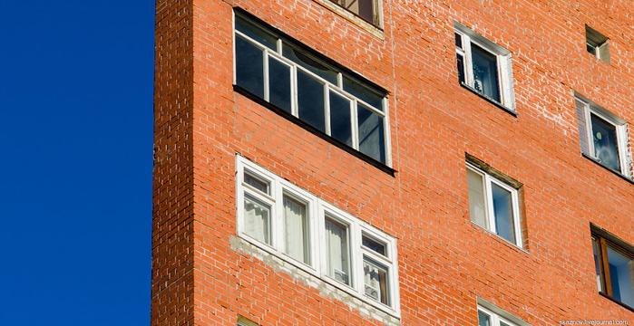 узкий дом в нижнем новгороде фото 2 (700x360, 372Kb)