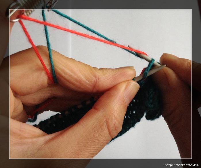 Интересное приспособление для вязания спицами жаккарда (5) (700x586, 260Kb)