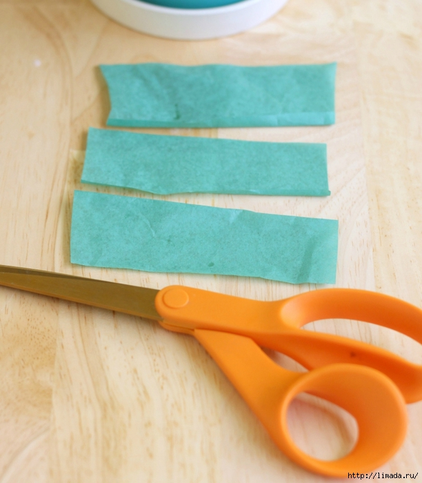 Cut-strips-of-green-tissue-paper-cropped (612x700, 244Kb)