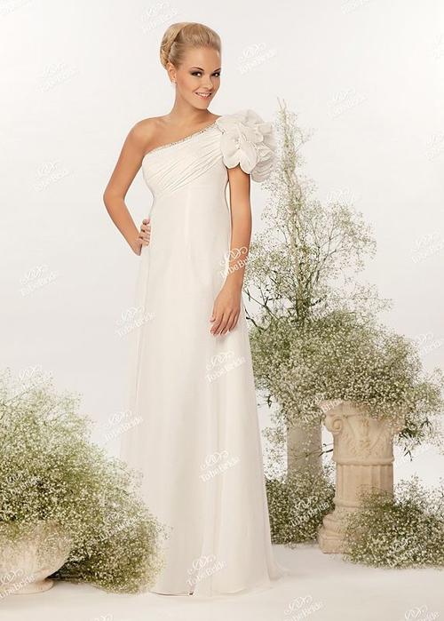 Свадебный салон в СПб со страстным итальянским духом (4) (500x700, 200Kb)
