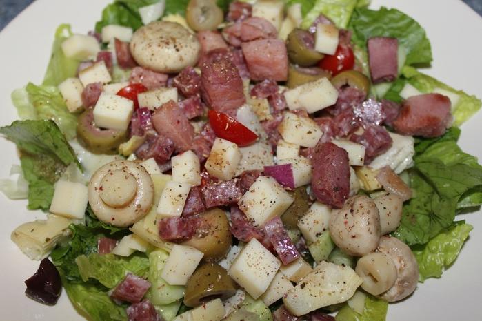 итальянский салат1 (700x466, 267Kb)