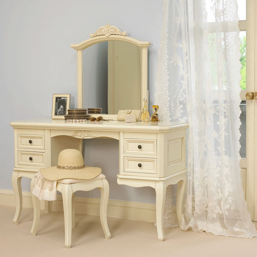 dressing-table (500x500, 38Kb)