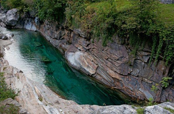 горная река верзаска швейцария фото 8 (600x394, 265Kb)