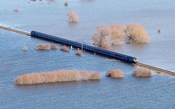 Наводнение в Сомерсет: Мурленд откачивается