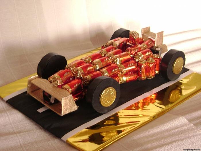 машина из конфет (6) (700x525, 240Kb)