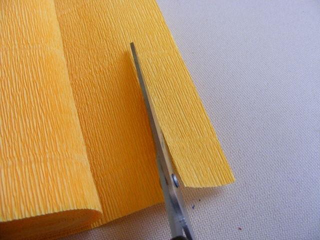 Крокусы из гофрированной бумаги. Мастер-класс (1) (640x480, 189Kb)