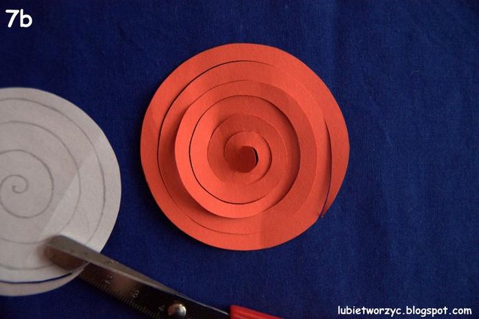 Валентинка из бумажных розочек для создания панно или открытки ручной работы (8) (700x465, 244Kb)