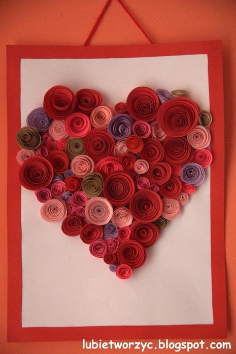 Валентинка из бумажных розочек для создания панно или открытки ручной работы (18) (465x700, 252Kb)