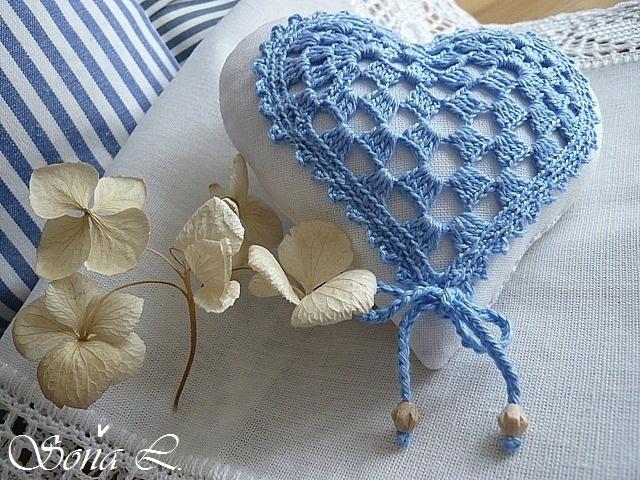 шитье и вязание для уюта в доме. подушки и валентинки (33) (640x480, 340Kb)