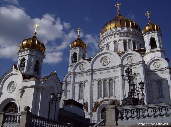 3925311_Hram_Hrista_Spasitelya_v_Moskve (600x447, 229Kb)