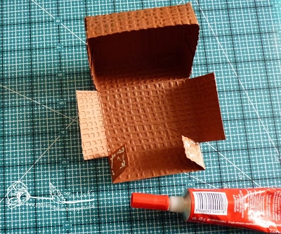 Скрапбукинг. Чемодан из фактурного картона (9) (400x333, 169Kb)