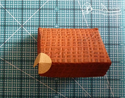 Скрапбукинг. Чемодан из фактурного картона (15) (400x313, 151Kb)