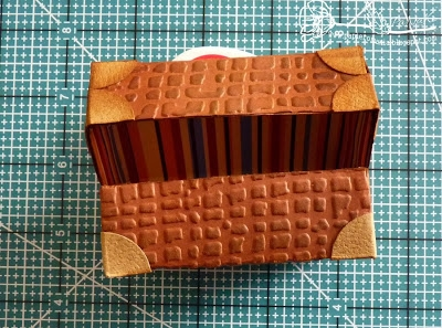 Скрапбукинг. Чемодан из фактурного картона (17) (400x297, 141Kb)