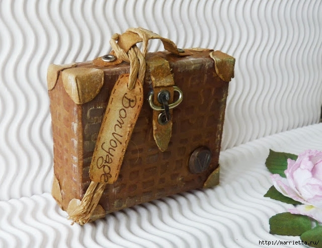 Скрапбукинг. Чемодан из фактурного картона (23) (640x493, 183Kb)
