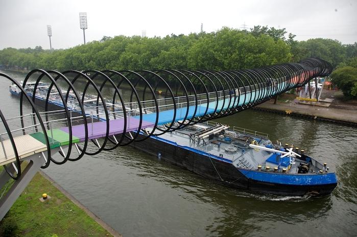 мост Slinky Springs To Fame германия 4 (700x465, 265Kb)