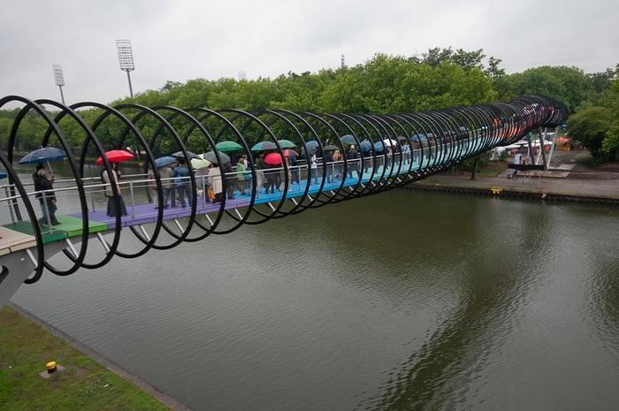 мост Slinky Springs To Fame германия (700x465, 233Kb)