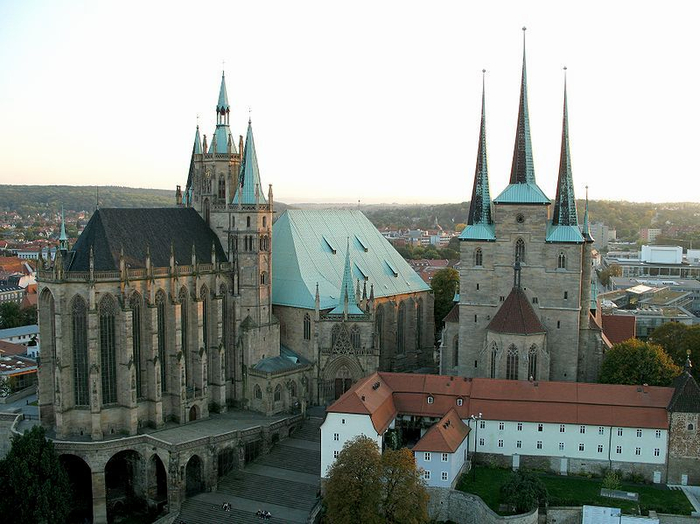 cathedral_and_severi_church (800x624, 318Kb)