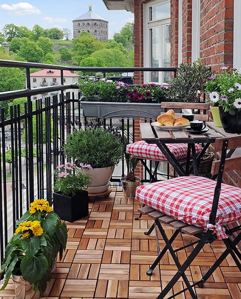 61730288_1279564372_beautifulbalconyideas12 (485x600, 384Kb)