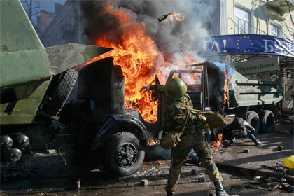Бесчинства оппозиции в Киеве (420x280, 68Kb)