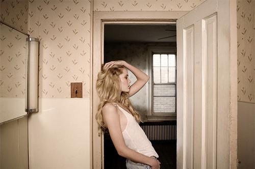 Фото блондинок в квартире