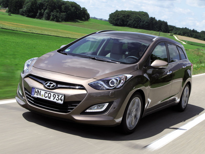 hyundai-i30-wagon-2012-photo18 (700x525, 354Kb)