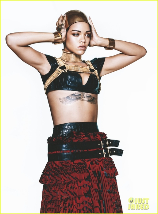 rihanna-covers-vogue-march-2014-third-cover-with-the-mag-02 (515x700, 165Kb)