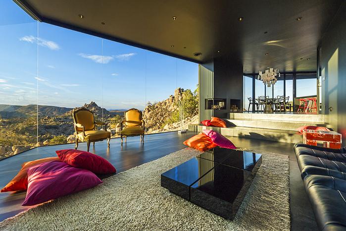 современный дом в пустыне фото 2 (700x466, 469Kb)