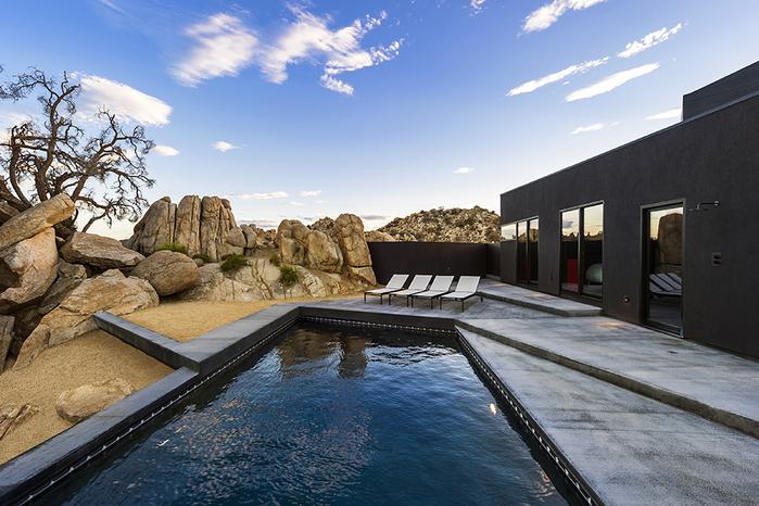 современный дом в пустыне фото 12 (700x466, 433Kb)