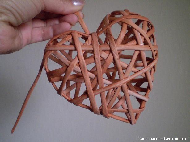 Объемное сердце из газетных трубочек и проволоки. Мастер-класс (20) (615x461, 117Kb)