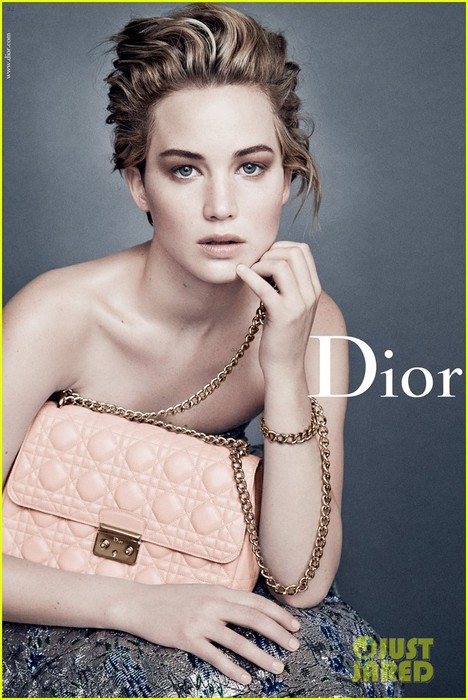 jennifer-lawrence-stuns-in-new-dior-campaign-images-03 (468x700, 93Kb)