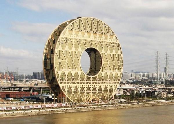 небоскреб золотой пончик китай фото 1 (600x428, 264Kb)