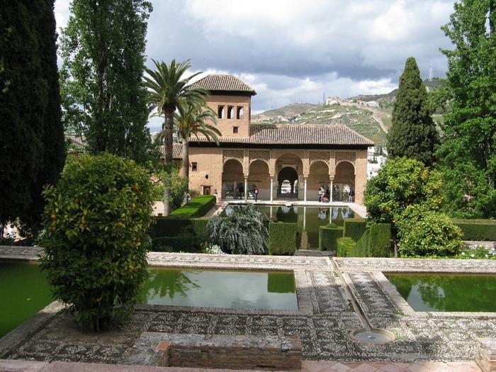 Alhambra-Granada (700x525, 340Kb)