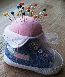 Игольница из детского ботиночка (2) (268x320, 79Kb)