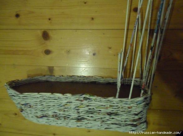Парусник из газетных трубочек. Плетение (6) (588x436, 107Kb)