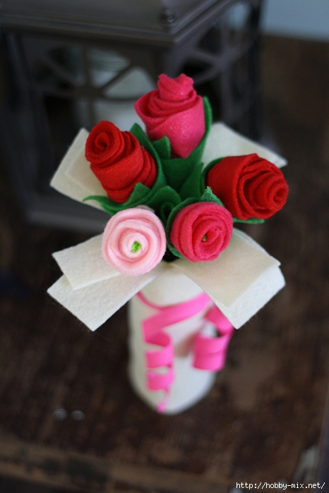 cardboard-tube-felt-rose-bouquet-3 (466x700, 205Kb)