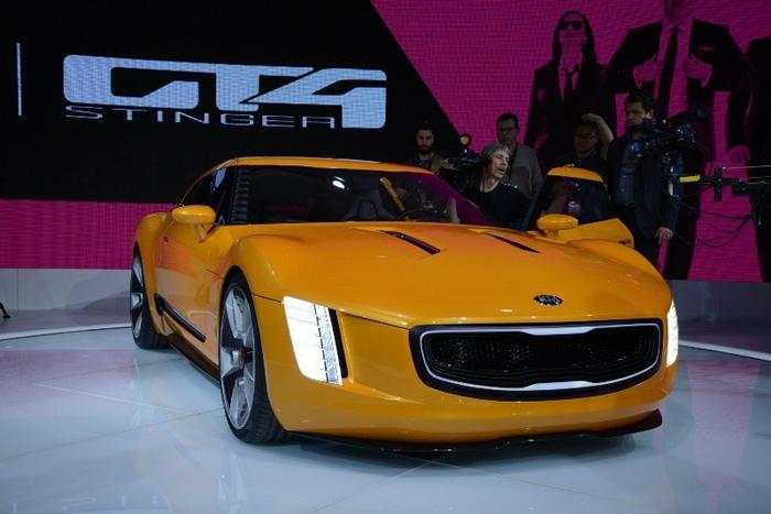 03-Kia-GT4-Stinger-Concept-Detroit-Live (700x467, 287Kb)