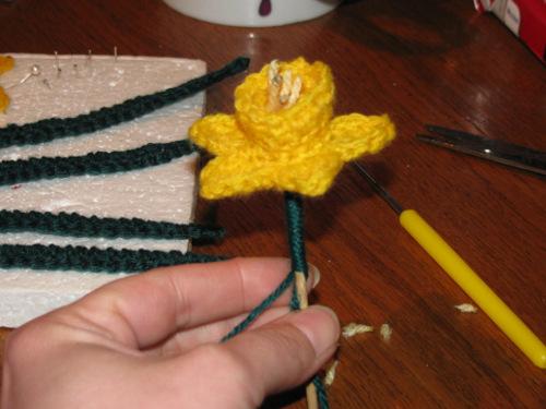 Цветы крючком. НАРЦИСС (6) (500x375, 171Kb)