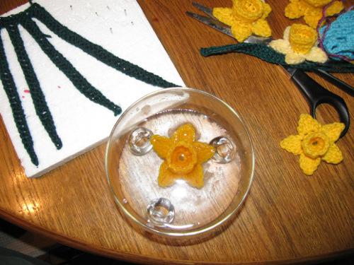 Цветы крючком. НАРЦИСС (8) (500x375, 219Kb)