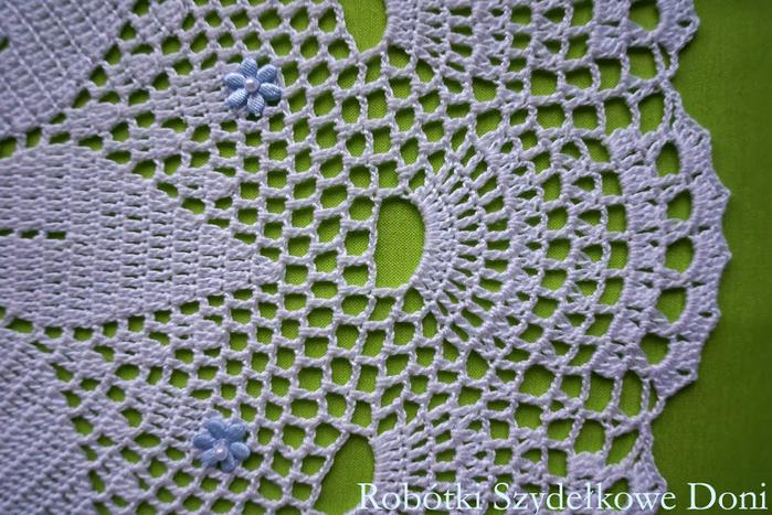 Круглые салфетки крючком. Две схемы (9) (700x467, 438Kb)