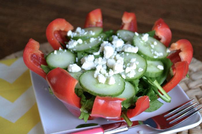 Яркое оформление салатика в болгарском перце (4) (700x467, 216Kb)