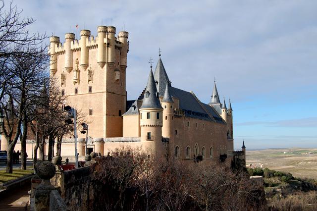Alcazar_de_Segovia (640x426, 272Kb)